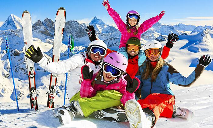 """דילים משתלמים חופשת סקי באנדורה כולל טיסות, העברות, סקי פס, ציוד סקי ו-7 לילות במלון ע""""ב חצי פנסיון, כולל כניסה חופשית לספא המלון, החל מ-4,149 ₪ לאדם!"""