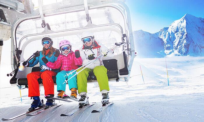 """חופשת סקי מומלצת שבוע סקי בבנסקו טיסות, העברות, סקי פס, ציוד סקי מלא, נציג ישראלי ו-5/7 לילות במלון מומלץ עם קזינו וספא ע""""ב חצי פנסיון, החל מ-2,349 ₪ לאדם!"""