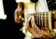פסטיבל 2018 - בפני בלוזיסט עיוור תשים גיטרה כרטיסים